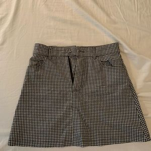 Black and white checkered mini skirt